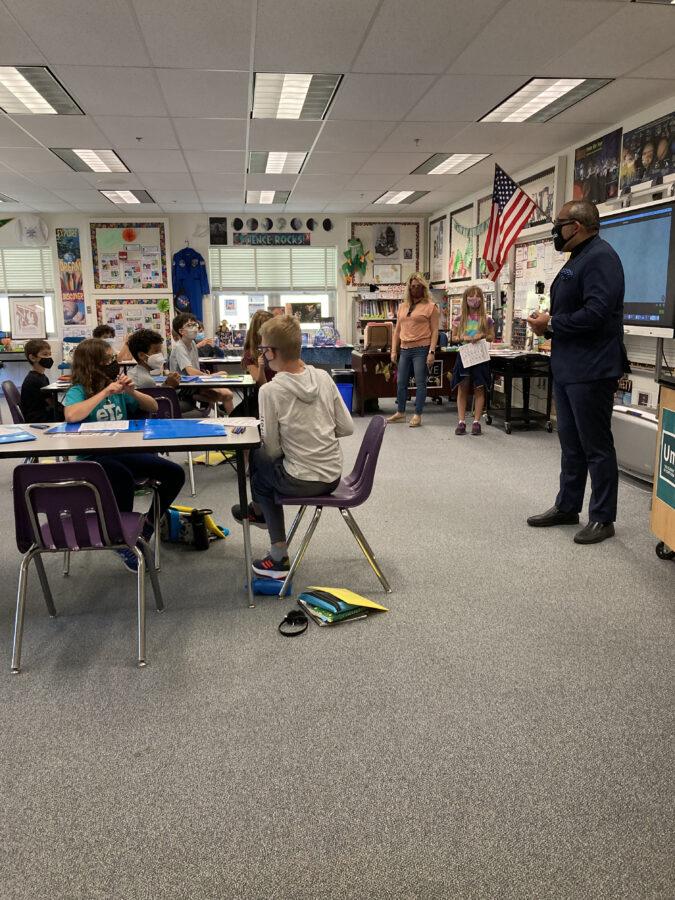 5th grade students and teachersin a classroom